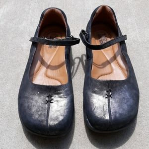 Kalso Earth Shoes 8.5B Solar Pewter Mary Jane Shoe